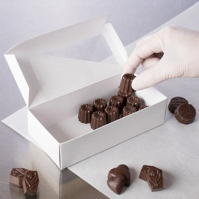 "7 1/8"" x 3 3/8"" x 1 7/8"" White 1 lb. 1-Piece Candy Box wi..."