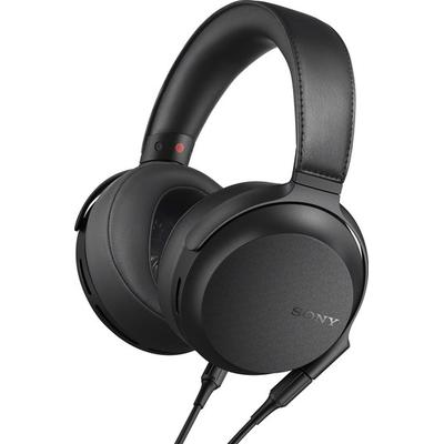 over-the-ear, closed design,extra-large 70mm drivers with supersized magnets for spacious, highly accurate sound,includes balanced and unbalanced detachable cables for connection to a wide variety of sources and headphone amps